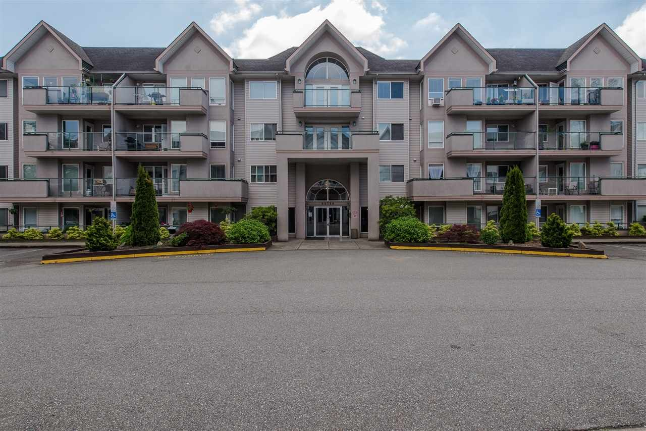"""Main Photo: 412 33728 KING Road in Abbotsford: Poplar Condo for sale in """"~College Park~"""" : MLS®# R2288393"""