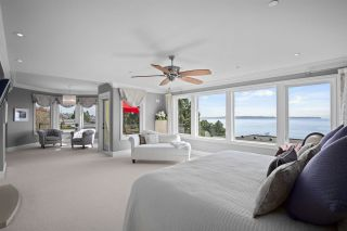 """Photo 4: 14342 SUNSET Drive: White Rock House for sale in """"White Rock Beach"""" (South Surrey White Rock)  : MLS®# R2560291"""
