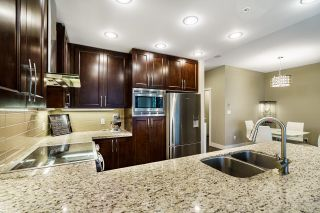 """Photo 4: 710 1415 PARKWAY Boulevard in Coquitlam: Westwood Plateau Condo for sale in """"CASCADES"""" : MLS®# R2621371"""