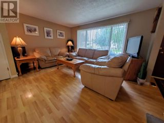 Photo 5: 2537 ABBOTT CRESCENT in Prince George: House for sale : MLS®# R2604867