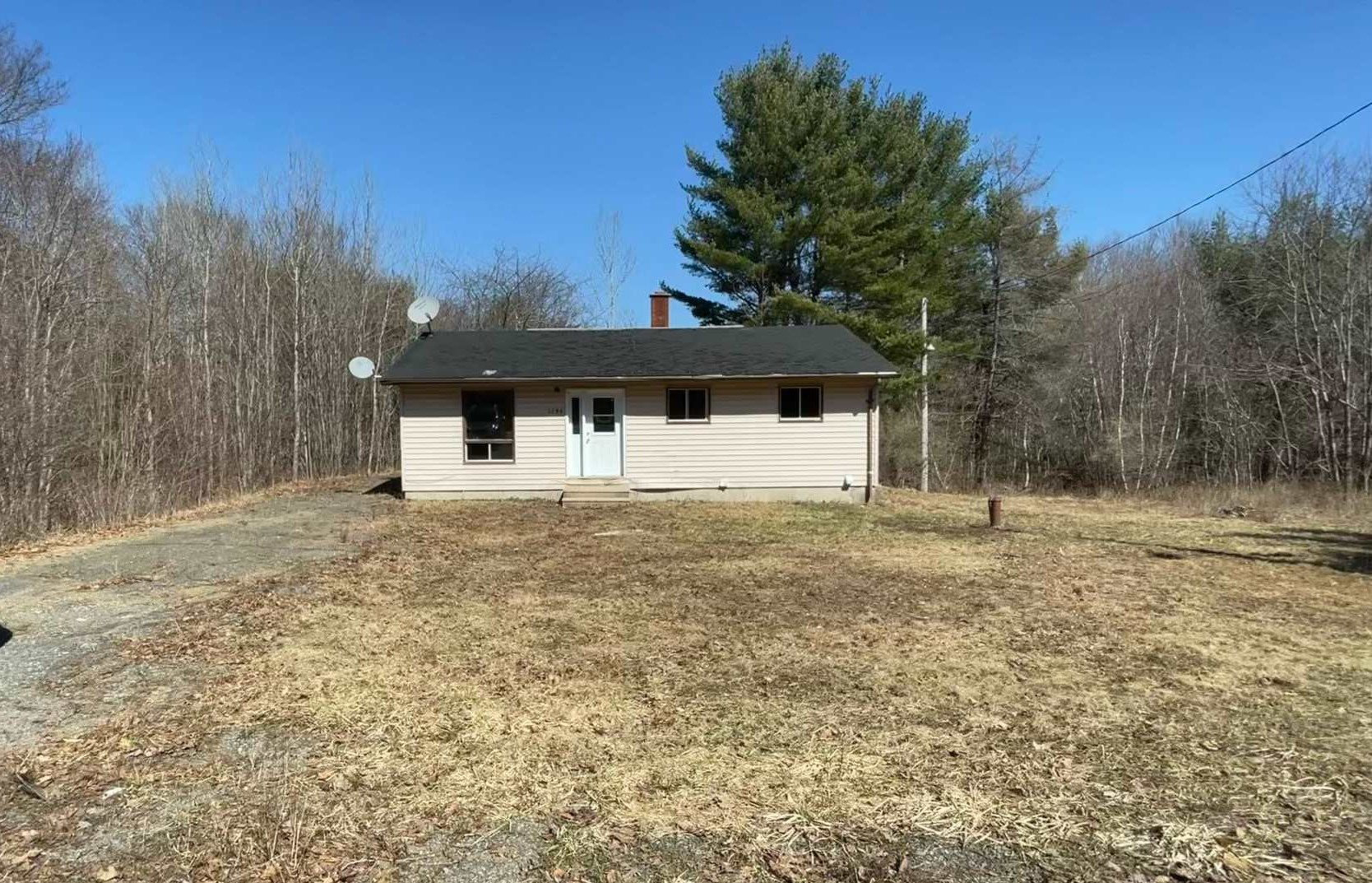 Main Photo: 1136 Highway 8 in Maitland Bridge: 400-Annapolis County Residential for sale (Annapolis Valley)  : MLS®# 202106865