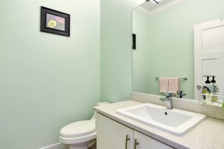 Photo 5: 39 6945 185 STREET in Surrey: Cloverdale BC Townhouse for sale (Cloverdale)  : MLS®# R2473318