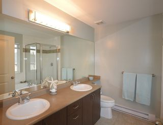 """Photo 11: 6 12311 NO 2 Road in Richmond: Steveston South Townhouse for sale in """"Fairwind"""" : MLS®# R2135138"""