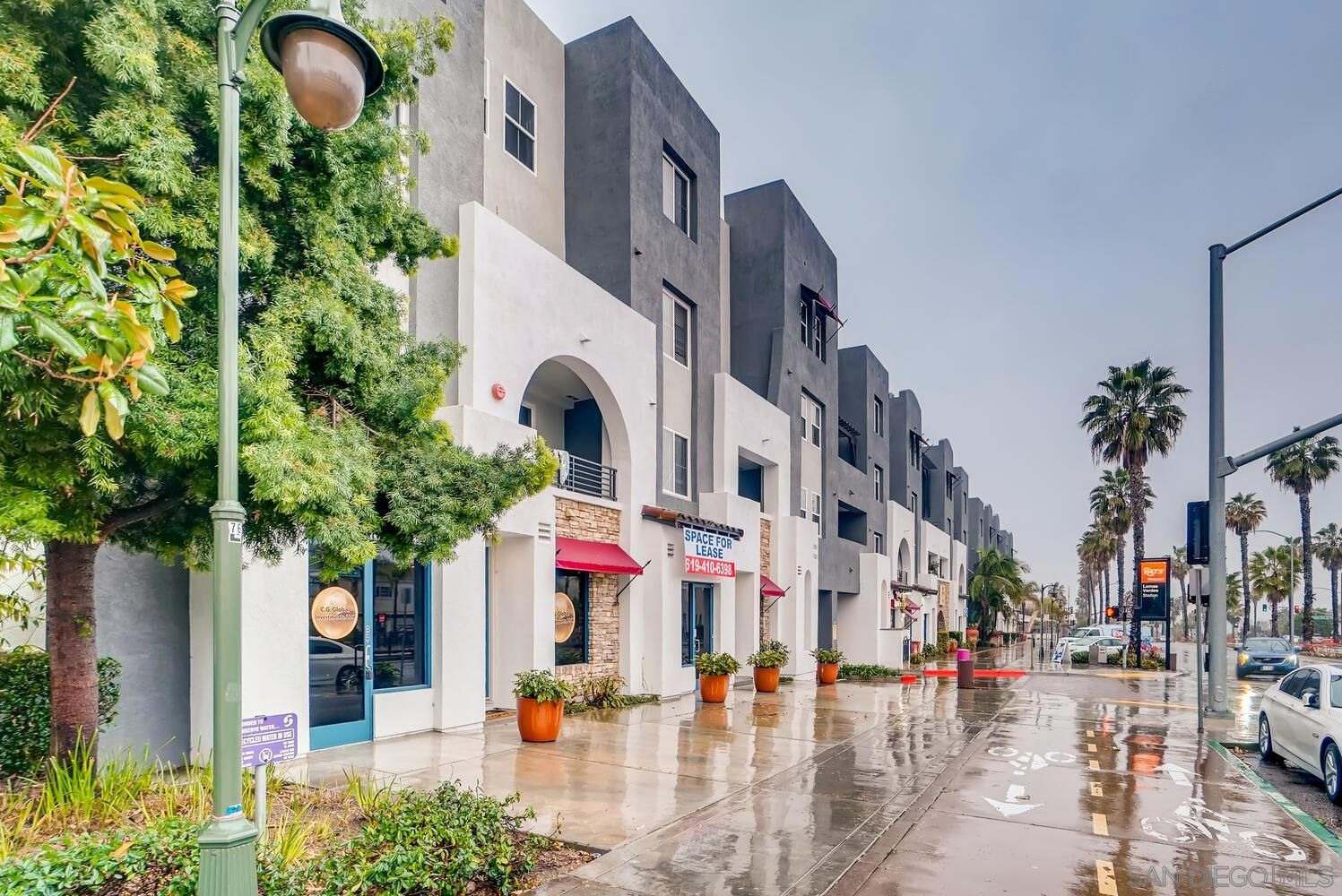 Main Photo: CHULA VISTA Townhouse for sale : 2 bedrooms : 1760 E Palomar #121