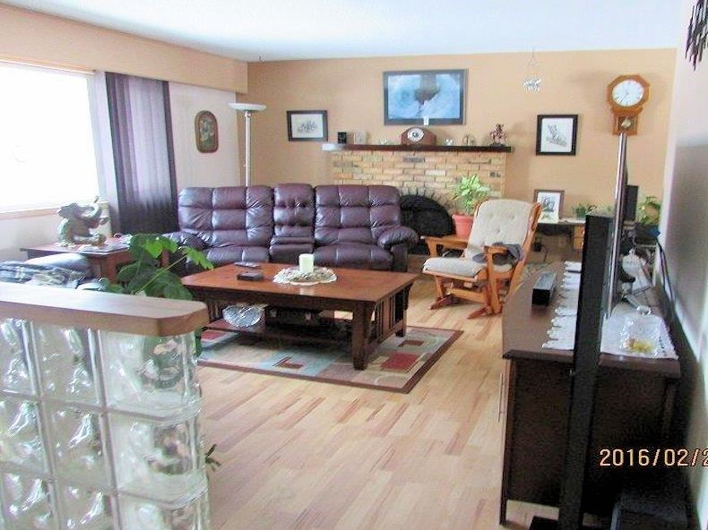 Photo 3: Photos: 2810 WILDWOOD Crescent in Prince George: Hart Highlands House for sale (PG City North (Zone 73))  : MLS®# R2132911