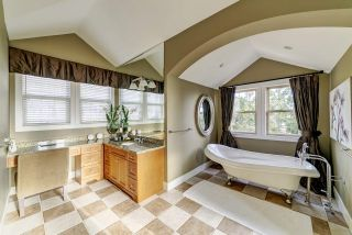 """Photo 15: 6 KINGSWOOD Court in Port Moody: Heritage Woods PM House for sale in """"The Estates by Parklane Homes"""" : MLS®# R2529620"""