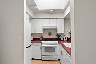 """Photo 13: 406 1125 GILFORD Street in Vancouver: West End VW Condo for sale in """"Gilford Court"""" (Vancouver West)  : MLS®# R2577212"""
