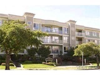 Photo 1:  in VICTORIA: Vi Downtown Condo for sale (Victoria)  : MLS®# 382578