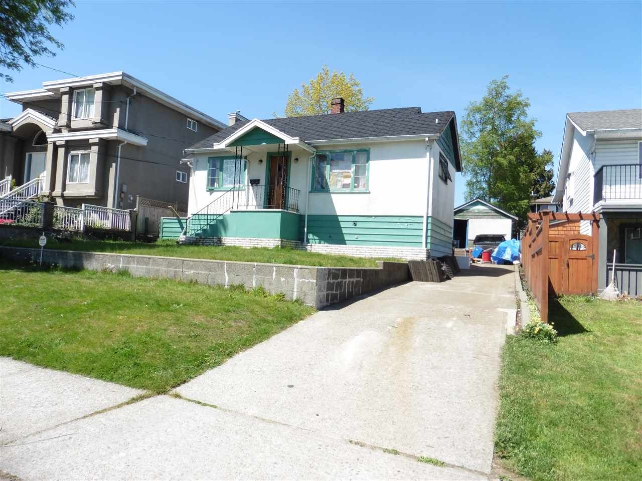 Main Photo: 7847 15TH Avenue in Burnaby: East Burnaby House for sale (Burnaby East)  : MLS®# R2367502