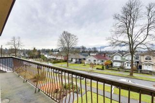Photo 2: 2740 KITCHENER Street in Vancouver: Renfrew VE House for sale (Vancouver East)  : MLS®# R2541957