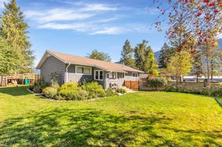 Photo 1: 35269 RIVERSIDE Road in Mission: Durieu House for sale : MLS®# R2618580