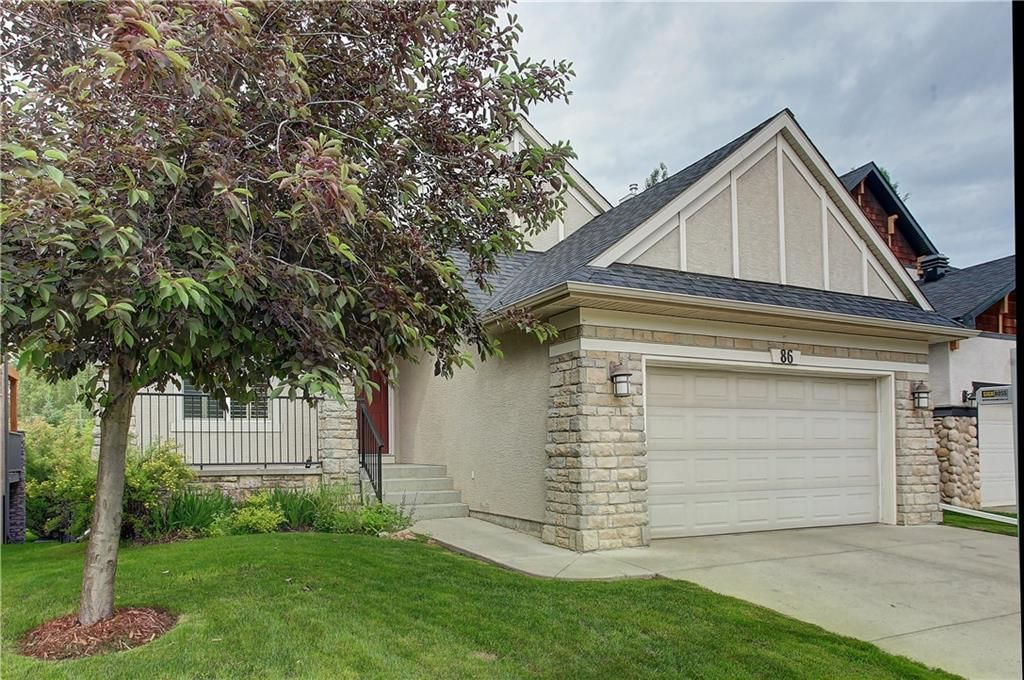 Main Photo: 86 Discovery Ridge Boulevard SW in Calgary: Discovery Ridge Detached for sale : MLS®# A1091583