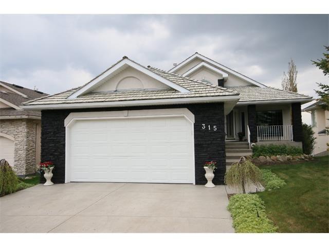 Main Photo: 315 GLENEAGLES View: Cochrane House for sale : MLS®# C4014401