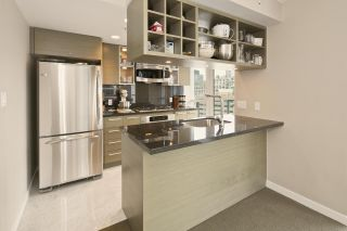 """Photo 10: 1611 833 SEYMOUR Street in Vancouver: Downtown VW Condo for sale in """"CAPITOL by WALL FINANCIAL"""" (Vancouver West)  : MLS®# R2070039"""