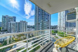 "Photo 3: 1105 189 DAVIE Street in Vancouver: Yaletown Condo for sale in ""AQUARIUS III"" (Vancouver West)  : MLS®# R2455444"