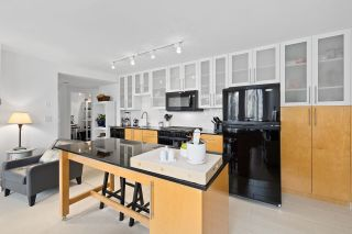 """Photo 5: 304 1225 RICHARDS Street in Vancouver: Downtown VW Condo for sale in """"The Eden"""" (Vancouver West)  : MLS®# R2567763"""