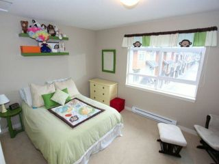Photo 6: 3 2979 156TH Street in Surrey: Grandview Surrey Condo for sale (South Surrey White Rock)  : MLS®# F1304497