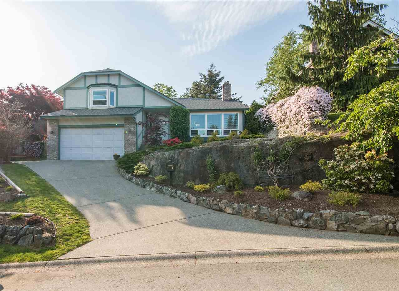 "Main Photo: 36029 VILLAGE Knoll in Abbotsford: Abbotsford East House for sale in ""Mountain Village"" : MLS®# R2062189"