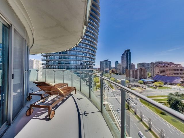 Photo 14: Photos: 1406 50 Absolute Avenue in Mississauga: City Centre Condo for sale : MLS®# W3804080