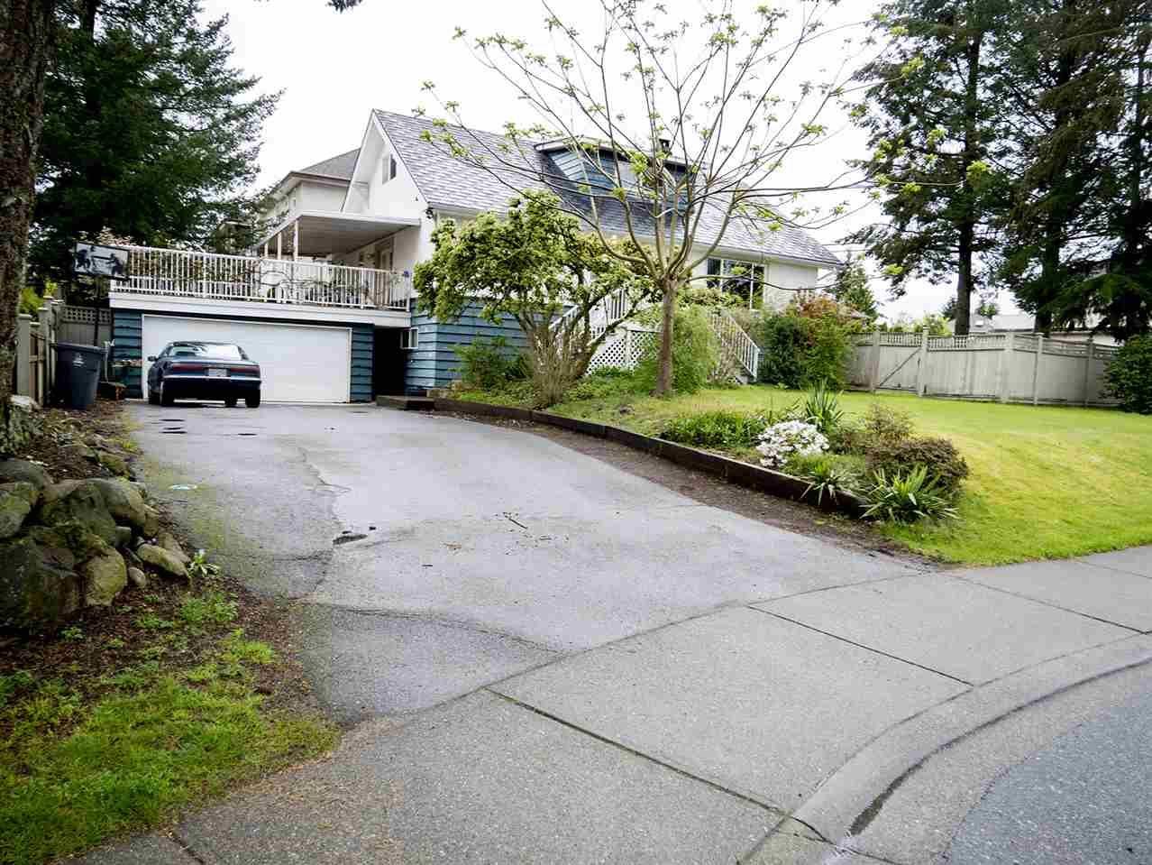 Main Photo: 8989 162 Street in Surrey: Fleetwood Tynehead House for sale : MLS®# R2162534