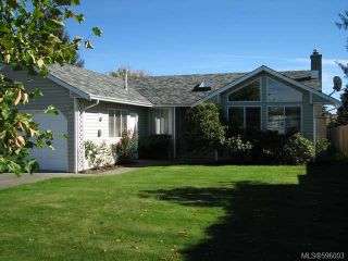 Photo 1: 3615 Montana Dr in CAMPBELL RIVER: CR Willow Point House for sale (Campbell River)  : MLS®# 596003