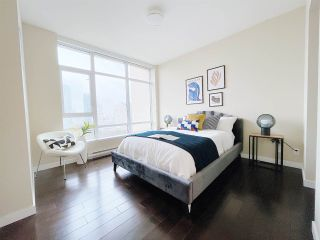 """Photo 11: 1701 6168 WILSON Avenue in Burnaby: Metrotown Condo for sale in """"JEWEL 2"""" (Burnaby South)  : MLS®# R2555926"""
