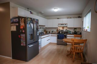 Photo 4: 1 768 Robron Rd in : CR Campbell River Central Row/Townhouse for sale (Campbell River)  : MLS®# 877476