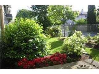 Photo 6: 115 951 Goldstream Ave in VICTORIA: La Langford Proper Row/Townhouse for sale (Langford)  : MLS®# 433866