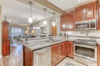 """Photo 7: 316 8157 207 Street in Langley: Willoughby Heights Condo for sale in """"YORKSON PARKSIDE 2"""" : MLS®# R2433194"""