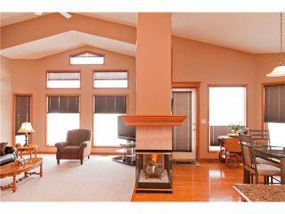 Photo 13: 109 DOUGLASVIEW Rise SE in Calgary: Douglasdale Estates House for sale : MLS®# C4040431