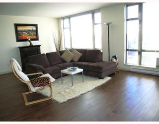 """Photo 2: 802 5933 COONEY Road in Richmond: Brighouse Condo for sale in """"JADE"""" : MLS®# V795964"""
