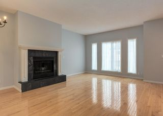 Photo 4: 306 20 Street NW in Calgary: West Hillhurst Row/Townhouse for sale : MLS®# A1130619