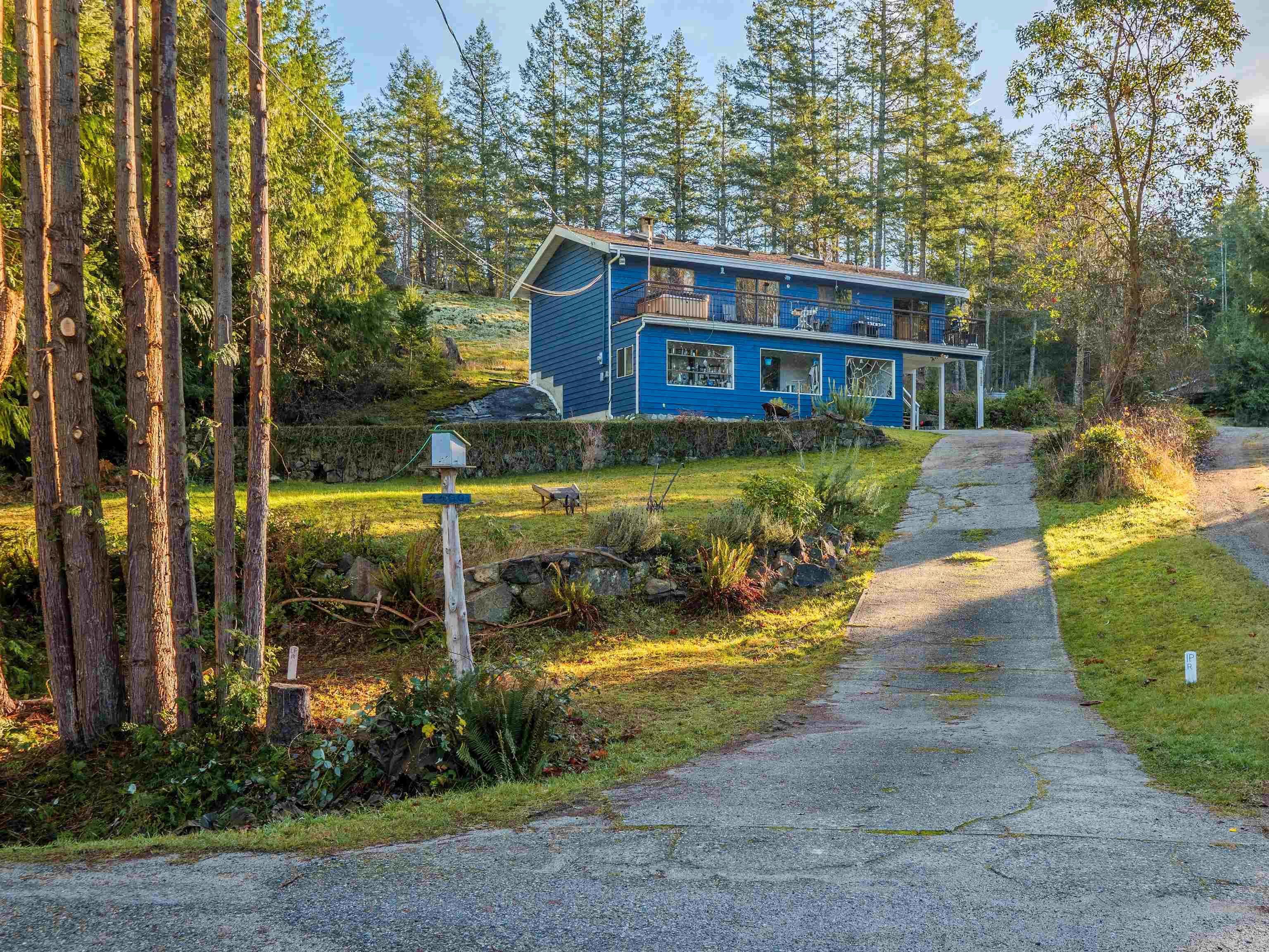 Main Photo: 4460 MCLINTOCK Road in Madeira Park: Pender Harbour Egmont House for sale (Sunshine Coast)  : MLS®# R2625189