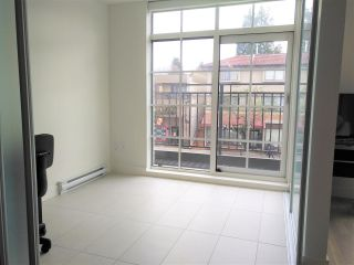 "Photo 7: 205 4355 W 10TH Avenue in Vancouver: Point Grey Condo for sale in ""IRON & WHYTE"" (Vancouver West)  : MLS®# R2355058"