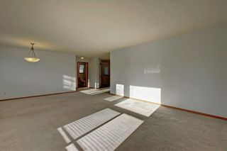 Photo 17: 6807 Pinecliff Grove NE in Calgary: Pineridge Row/Townhouse for sale : MLS®# A1121395
