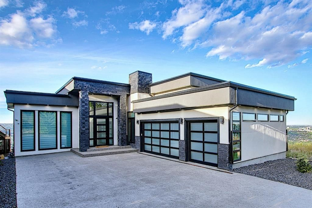 Main Photo: 42 Coulee Lane SW in Calgary: Cougar Ridge Detached for sale : MLS®# A1042251