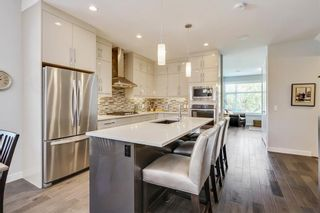 Photo 10: 3713 43 Street SW in Calgary: Glenbrook House for sale : MLS®# C4134793