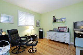 Photo 15: 958 DEVON Road in North Vancouver: Forest Hills NV House for sale : MLS®# R2205971