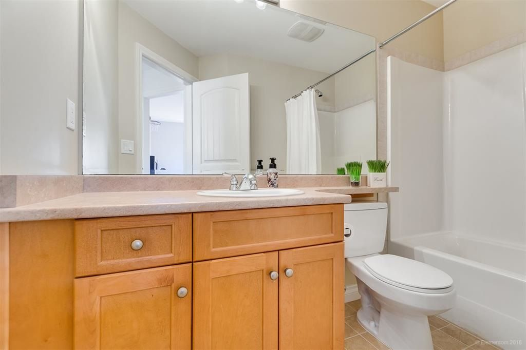 """Photo 14: Photos: 7014 179A Street in Surrey: Cloverdale BC Condo for sale in """"TERRACES AT PROVINCETON"""" (Cloverdale)  : MLS®# R2391476"""