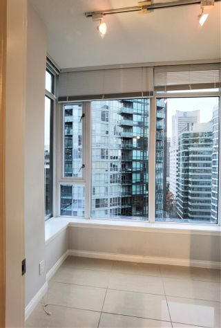 "Photo 18: 2001 1211 MELVILLE Street in Vancouver: Coal Harbour Condo for sale in ""RITZ"" (Vancouver West)  : MLS®# R2559926"