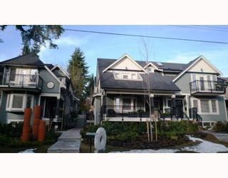 Photo 9: 3115 SUNNYHURST RD in North Vancouver: Condo for sale : MLS®# V753747