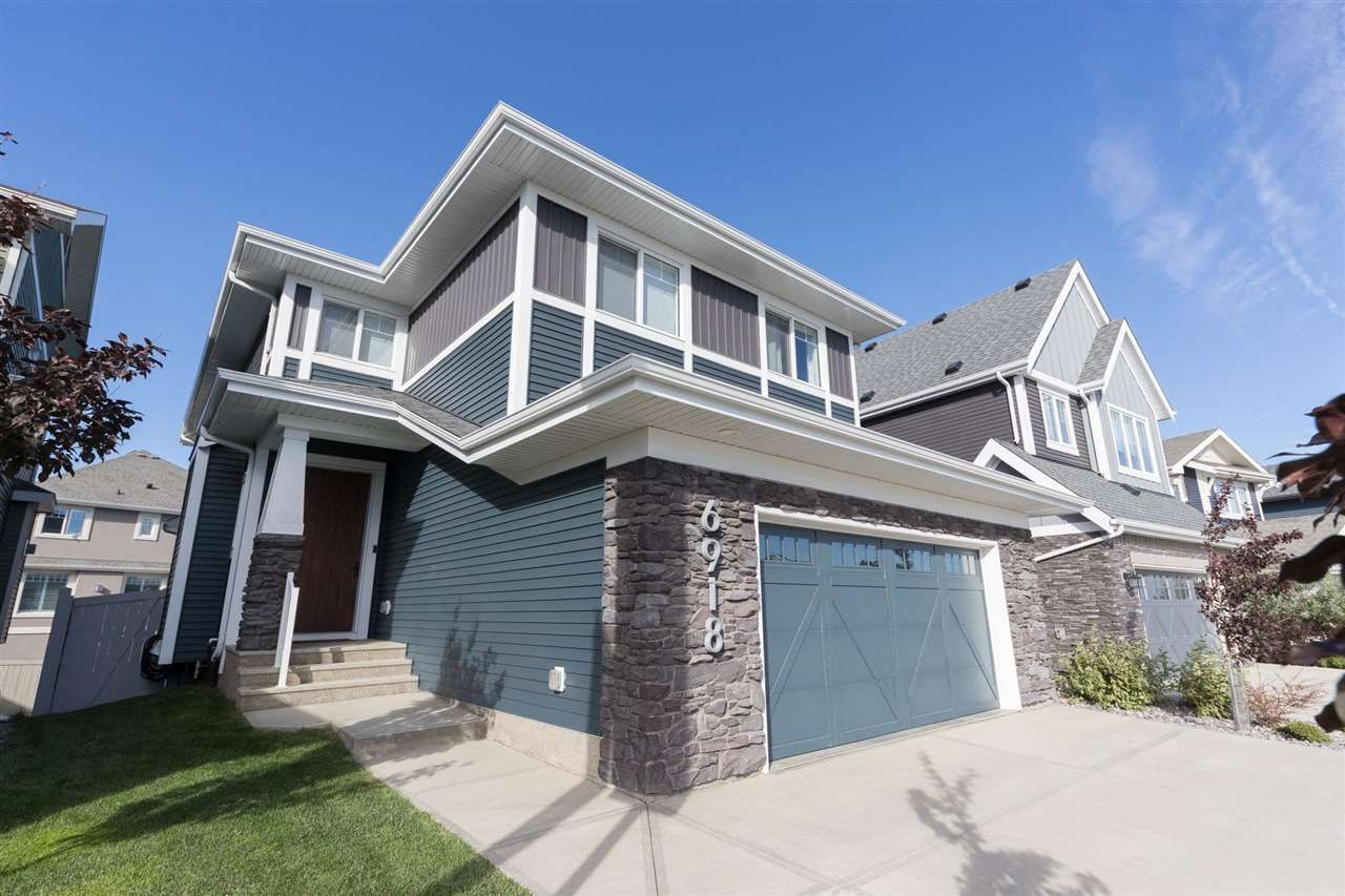 Main Photo: 6918 JOHNNIE CAINE Way in Edmonton: Zone 27 House for sale : MLS®# E4240856