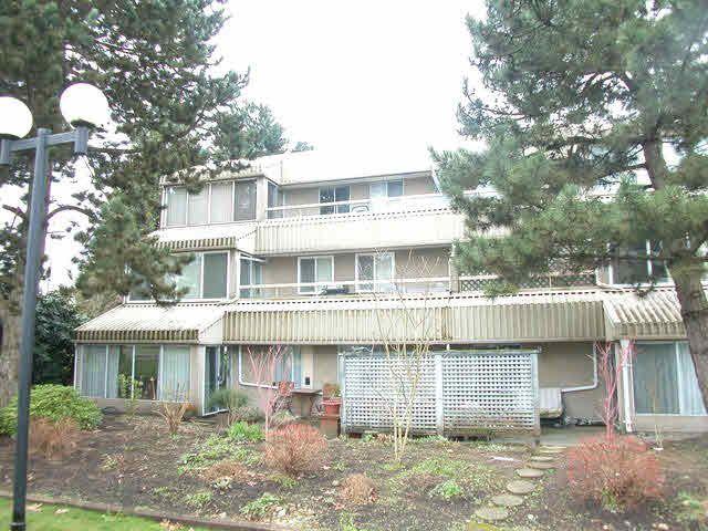 Main Photo: 307 9632 120A STREET in : Cedar Hills Condo for sale : MLS®# F1406674