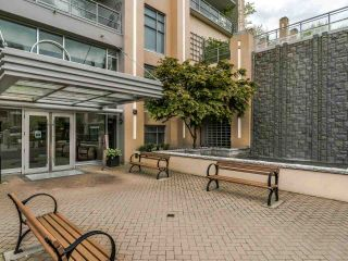 """Photo 3: 2002 280 ROSS Drive in New Westminster: Fraserview NW Condo for sale in """"The Carlyle"""" : MLS®# R2577017"""
