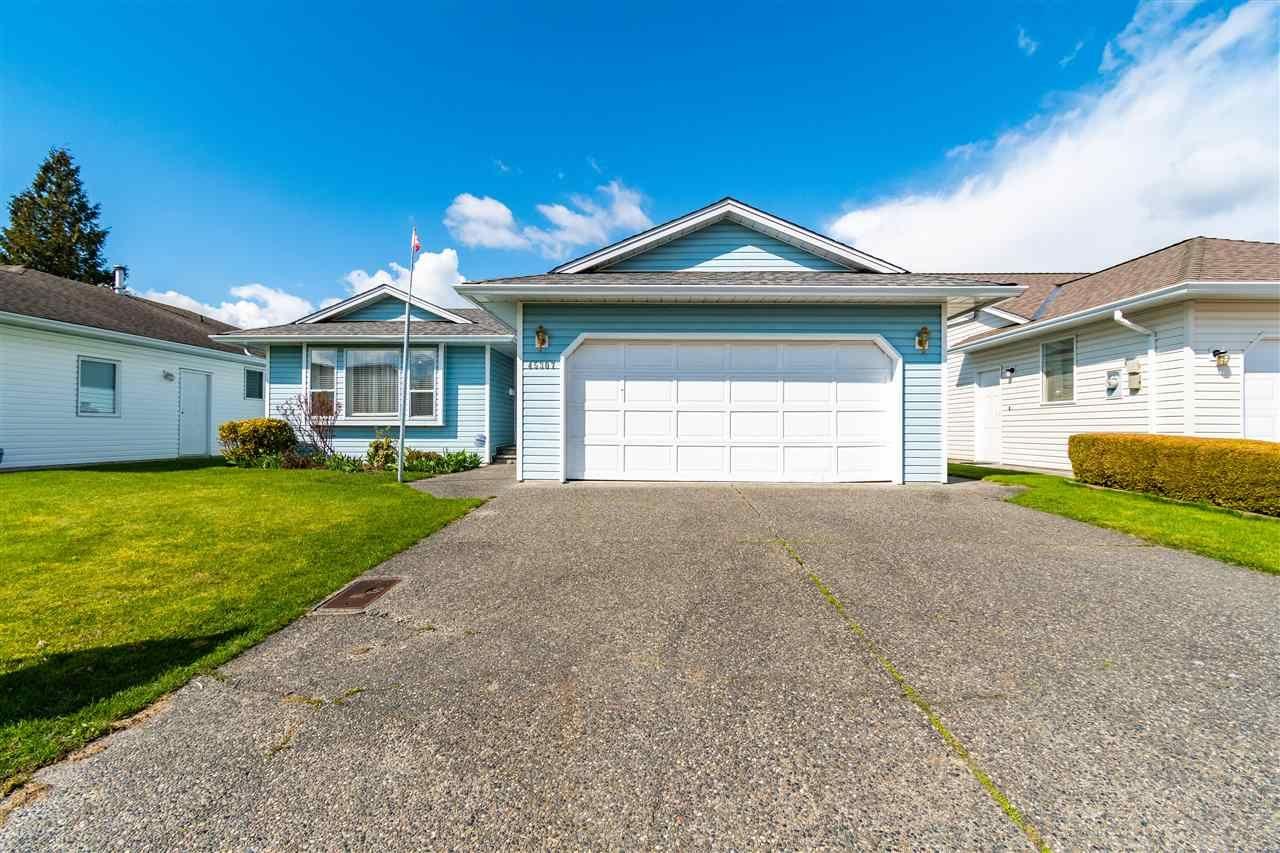 Main Photo: 45307 JASPER Drive in Chilliwack: Sardis West Vedder Rd House for sale (Sardis)  : MLS®# R2556128