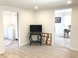 """Photo 6: 282 1840 160 Street in Surrey: King George Corridor Manufactured Home for sale in """"Breakaway Bays"""" (South Surrey White Rock)  : MLS®# R2602713"""