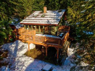 "Photo 37: 8361 VALLEY Drive in Whistler: Alpine Meadows House for sale in ""Alpine Meadows"" : MLS®# R2522011"