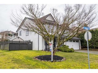Photo 3: 8272 TANAKA TERRACE in Mission: Mission BC House for sale : MLS®# R2541982
