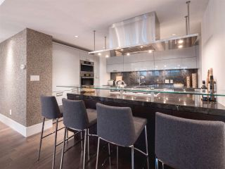 """Photo 7: 1510 HOMER Mews in Vancouver: Yaletown Townhouse for sale in """"THE ERICKSON"""" (Vancouver West)  : MLS®# R2334028"""