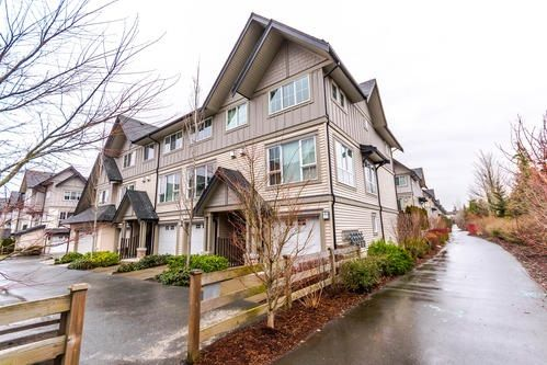 """Main Photo: 201 2501 161A Street in Surrey: Grandview Surrey Townhouse for sale in """"HIGHLAND PARK"""" (South Surrey White Rock)  : MLS®# R2141393"""